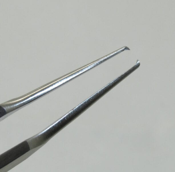 Castroviejo Fixation Forcep, straight wide handle, 1×2 teeth 0.5 mm
