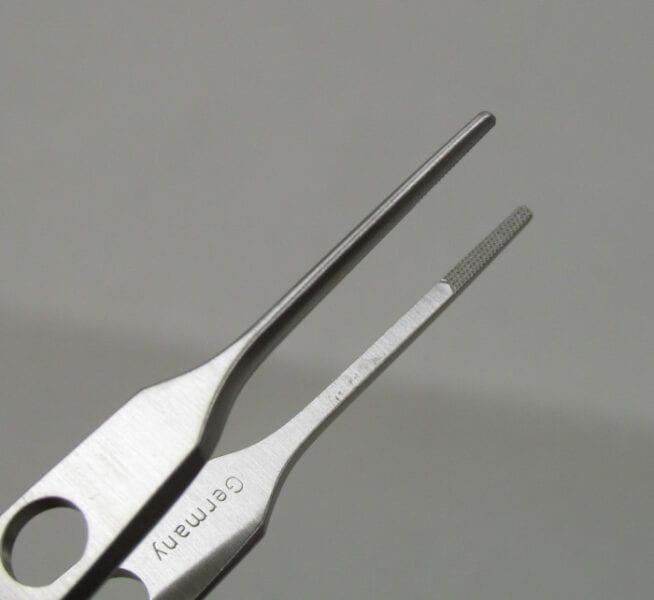 Bishop Harmon straight crisscross serrated tips